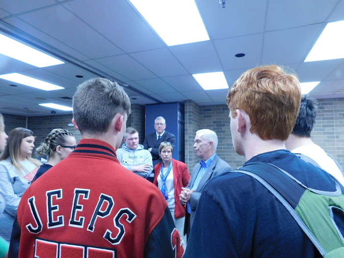 Congressman Bill Johnson talking with students