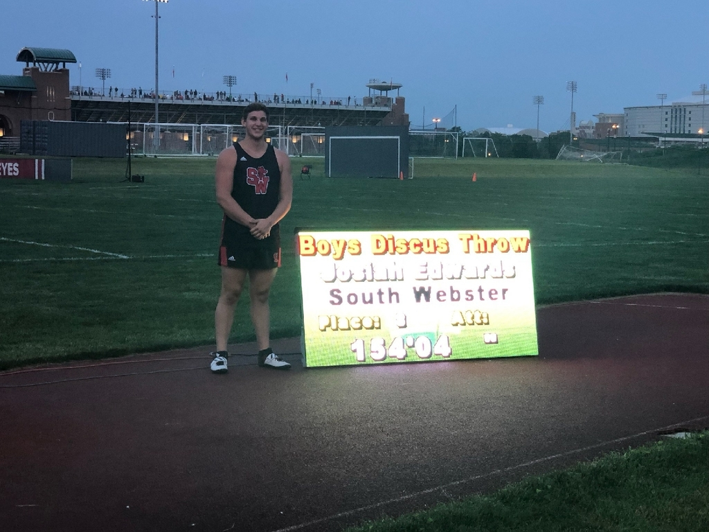Joe at state meet 2019 discus