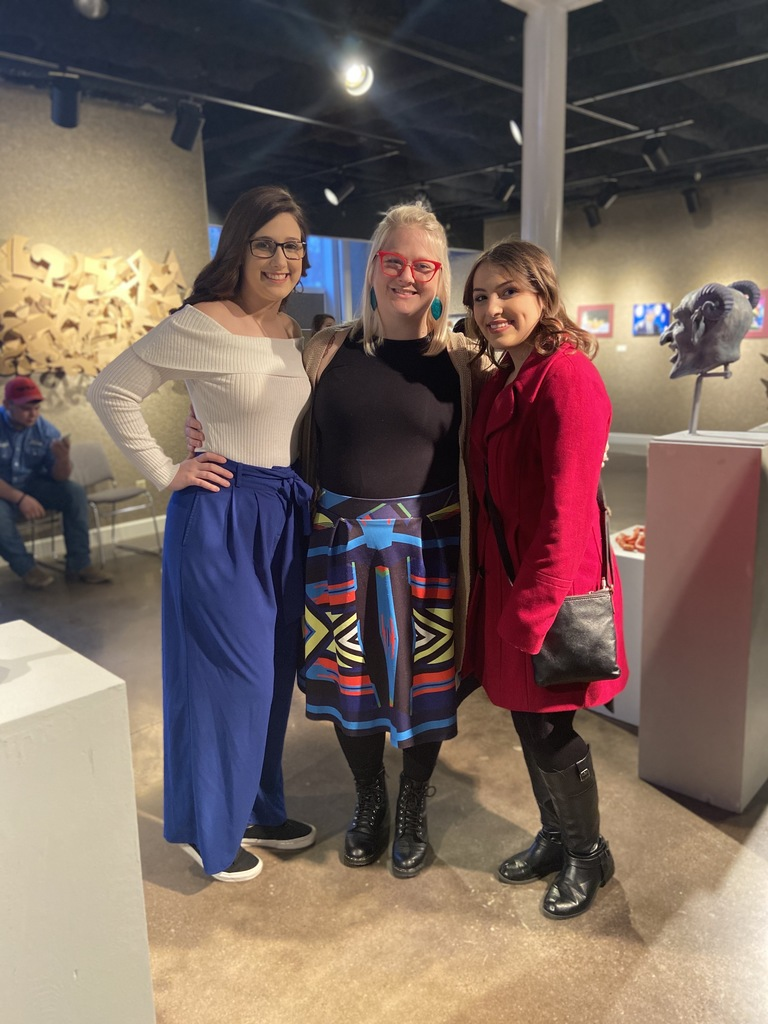 Kate Claxon, Jenna and Taylor at Art Show 2020