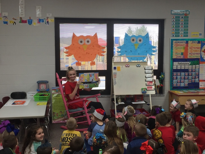 Baylee Reading to Students 2018